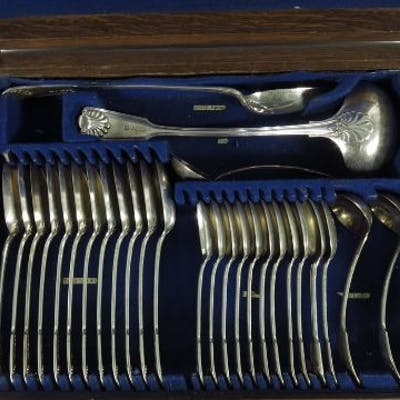 A canteen of fiddle, thread and shell pattern silver plated flatware