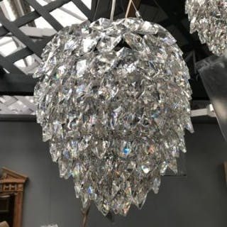 Pharaoh Petals Pendant (UK) Frosted A Stunning Luminaire Petals Are