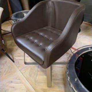 Cravt Oriignal Armchair - Alder Leather Feet In Metal