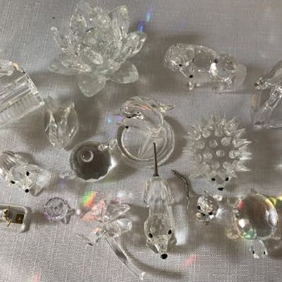 Swarovski crystal glass models (17) including grand piano + stool