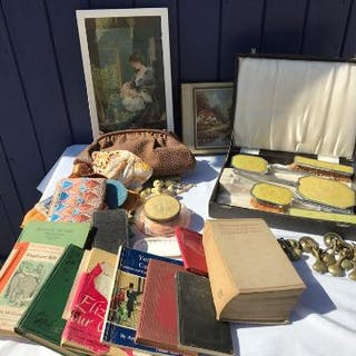 Miscellany to include vintage books, dressing table set (crack to
