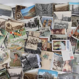 A quantity of loose 20th century vintage postcards including military
