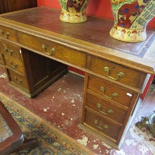 Victorian leather top oak pedestal desk
