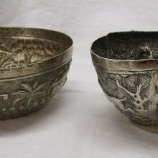 2 small silver bowls - Approx 120g