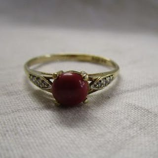 Gold coral and diamond set ring