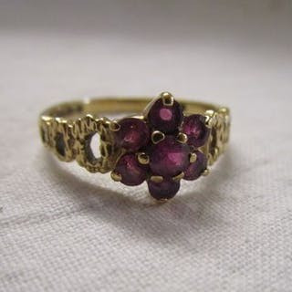 Gold ruby set cluster ring
