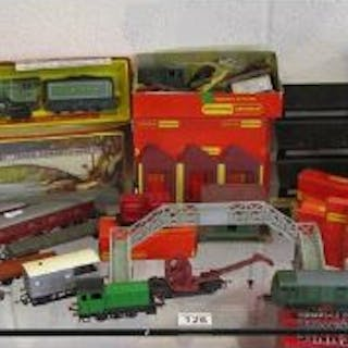 Collection of Hornby OO gauge railway to include Flying Scotsman and