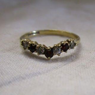 Gold garnet wishbone ring