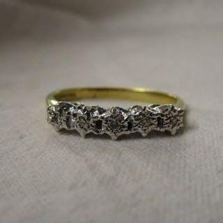18ct 5 stone diamond set ring