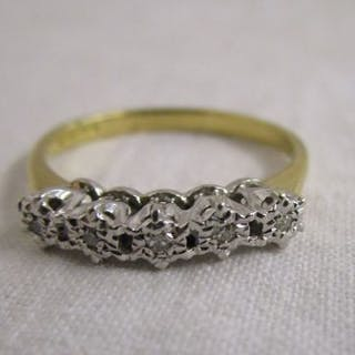 18ct 5 stone diamond ring