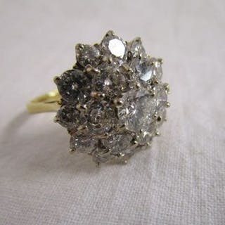 Fine 18ct gold diamond cluster ring