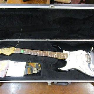 Fender Stratocaster in original Fender case - Left handed