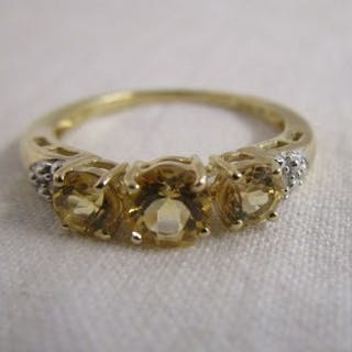 Gold & diamond citrine set ring