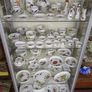 Very large collection of Royal Worcester Evesham pattern