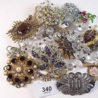 A box of costume jewellery