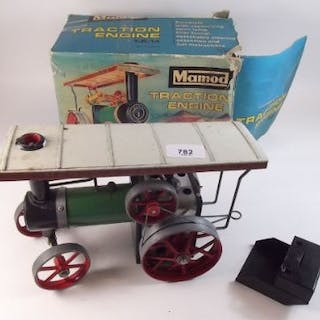 A Mamod traction engine - boxed