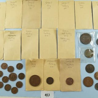 A quantity of copper/bronze farthings, halfpennies, pennies and tokens.