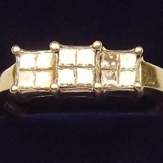 An 18 carat gold three stone diamond ring - size S