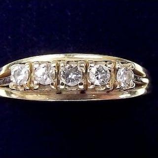 A 14 carat gold five stone diamond ring - size N