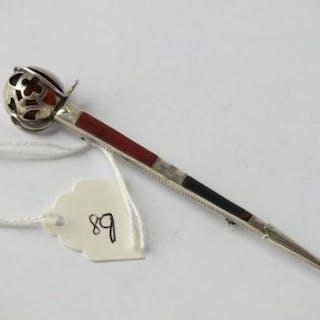 "Scottish silver dirk brooch agate set, hallmarked Edinburgh 1961, 4"" long"
