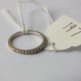 18ct gold diamond 1/2 ET, size K.