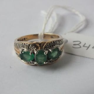 Emerald and diamond mounted 9ct. ring 5.3g. Size L