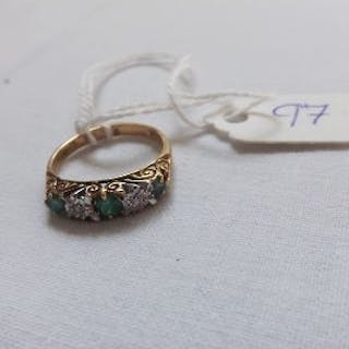 9ct emerald and diamond ring approx size K 2.4g inc