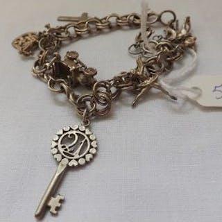 Small silver charm bracelet 19g