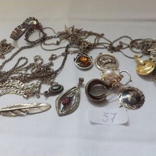 Bag of silver necklaces etc 107g inc
