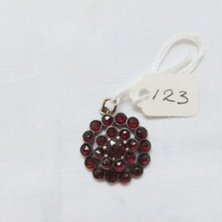 Circular 19thc garnet pendant
