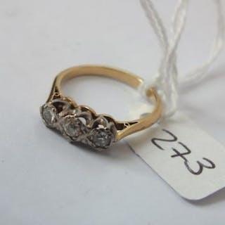 18ct. three stone diamond ring, 1.8cm dia 3.5g.