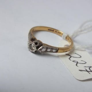 18ct gold solitaire diamond ring approx size L 2.4g