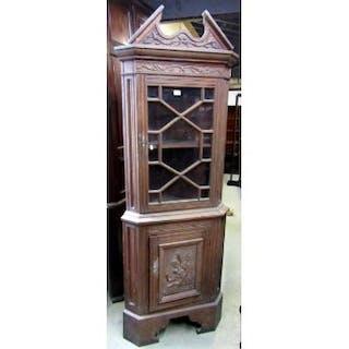 An Oak Freestanding Corner Cabinet In The Georgian Style Enclosed Cur S Barnebys