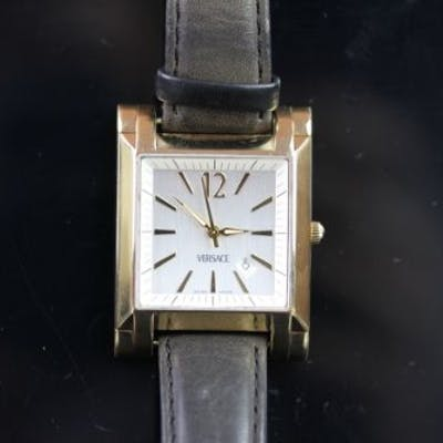 GENTLEMEN'S 18K GOLD VERSACE WRISTWATCH, square silver dial with gold