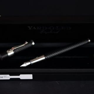 YARD-O-LED SILVER AND LAQUER FOUNTAIN PEN, black tapered body, silver