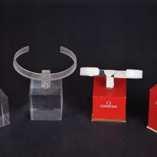 4 OMEGA WATCH DISPLAY STANDS, 2 red black stands (1x short, 1x Tall)