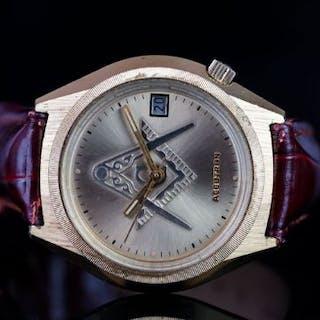 GENTLEMEN'S ACCUTRON BULOVA WRISTWATCH, champagne dial, date at 3