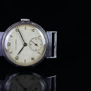 GENTLEMEN'S LONGINES VINTAGE WRISTWATCH, circular patina dial with