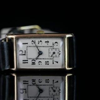 GENTLEMANS VINTAGE DRESS WATCH 99130 SN 96530, oblong,white disal