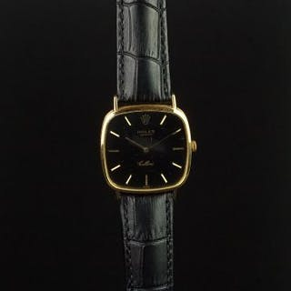GENTLEMEN'S ROLEX CELLINI 18K GOLD WRISTWATCH, rounded square black