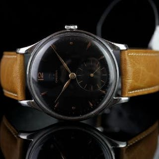 GENTS VINTAGE JUMBO OMEGA MODEL 2181,round, black dial with gold hands