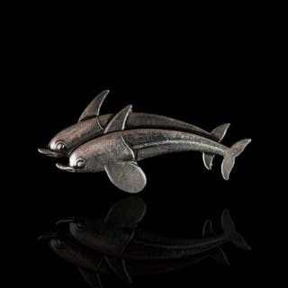 SILVER GEORG JENSON DOUBLE DOLPHIN BROOCH,estimated 40 x 20 mm, not