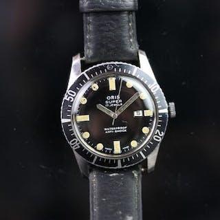 GENTLEMEN'S ORIS SUPER DATE WRISTWATCH, circular black dial with large
