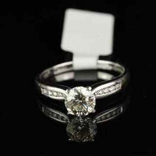 Diamond ring, round brilliant cut diamond weighing an estimated 1.05ct