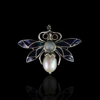 SILVER PEARL PIQUE A JOUR ENAMEL BUG BROOCH, stamped 925 , total weight