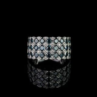 Blue and white diamond cluster ring, set with 27 round brilliant cut