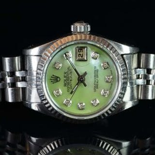 LADIES' ROLEX MOTHER OF PEARL DIAMOND SET DATEJUST REF. 69174, circular