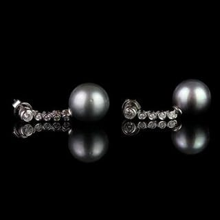 Pair of Tahitian Pearl and Diamond earrings, 2 round grey tahitian