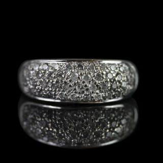 18CT PAVE SET DIAMOND RING,total weight 4.2 gms, size P, stamped 750.