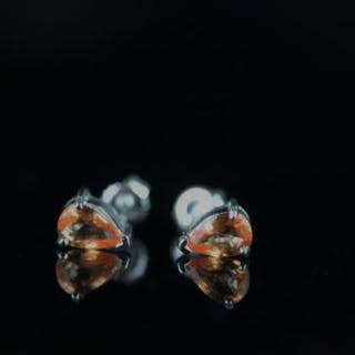 18CT WHITE GOLD SAPPHIRE PEAR SHAPE STUD EARRINGS,3 claw setting